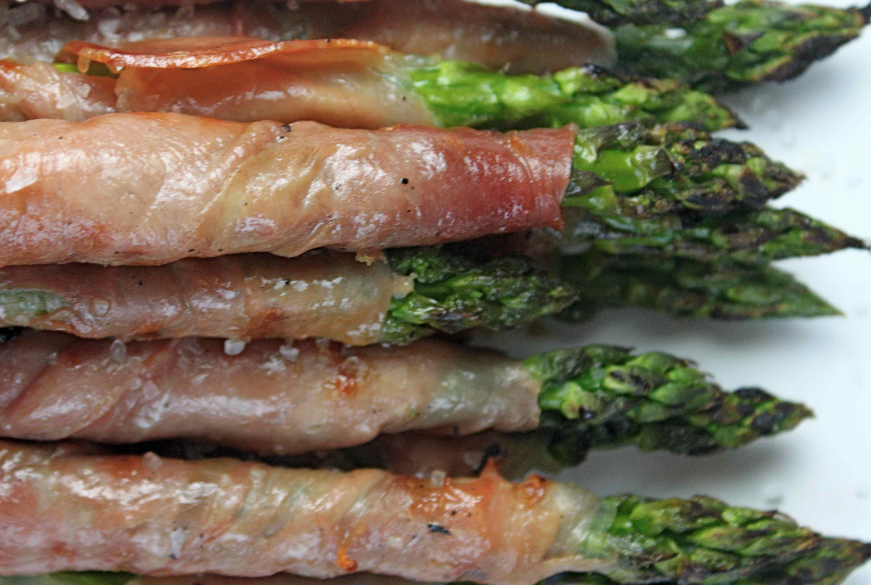 how to cook asparagus with prosciutto